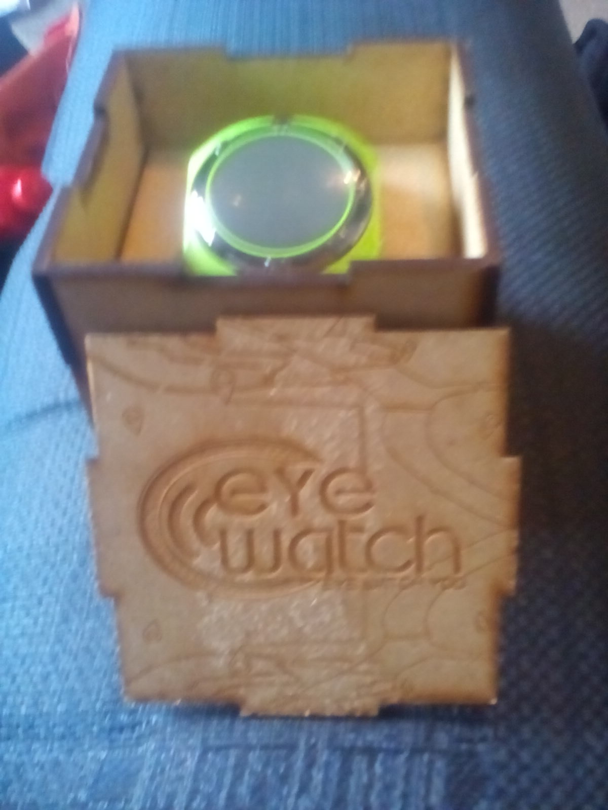 BRAND NEW EYE WATCH FOR SALE.