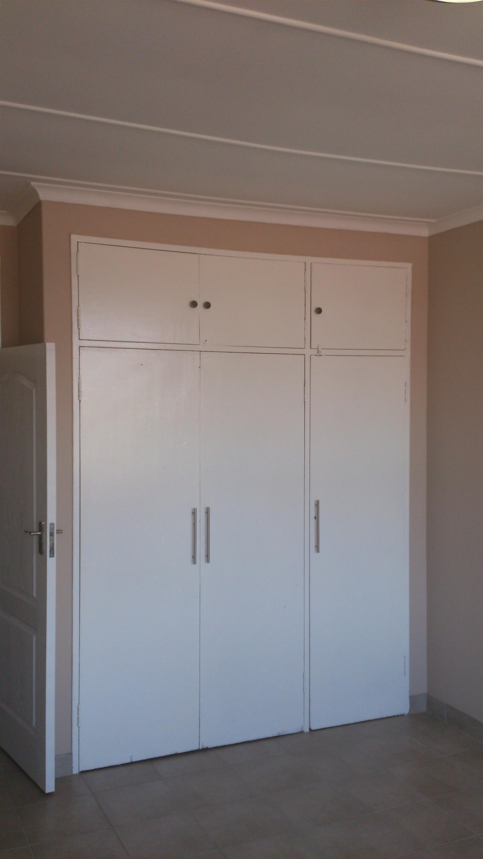 Spacious flat in Waverley