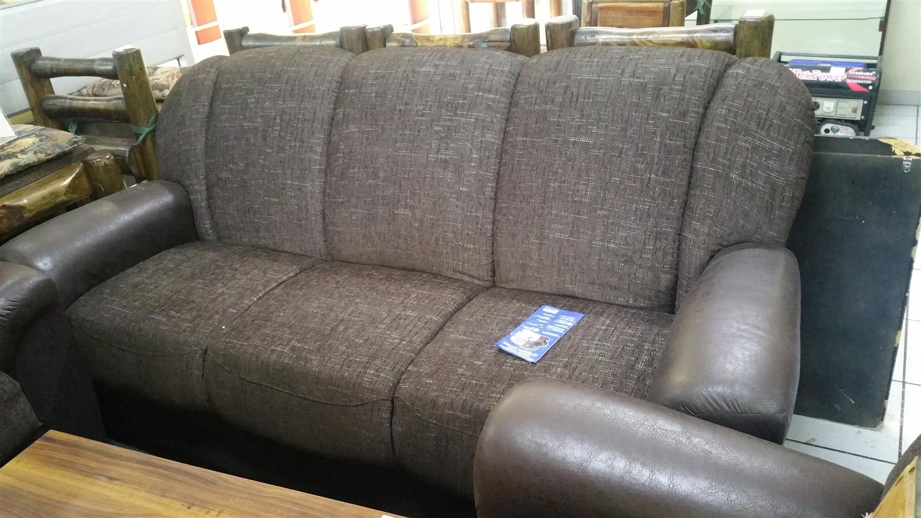 lounge suite in Living Room Furniture in Mpumalanga   Junk Mail