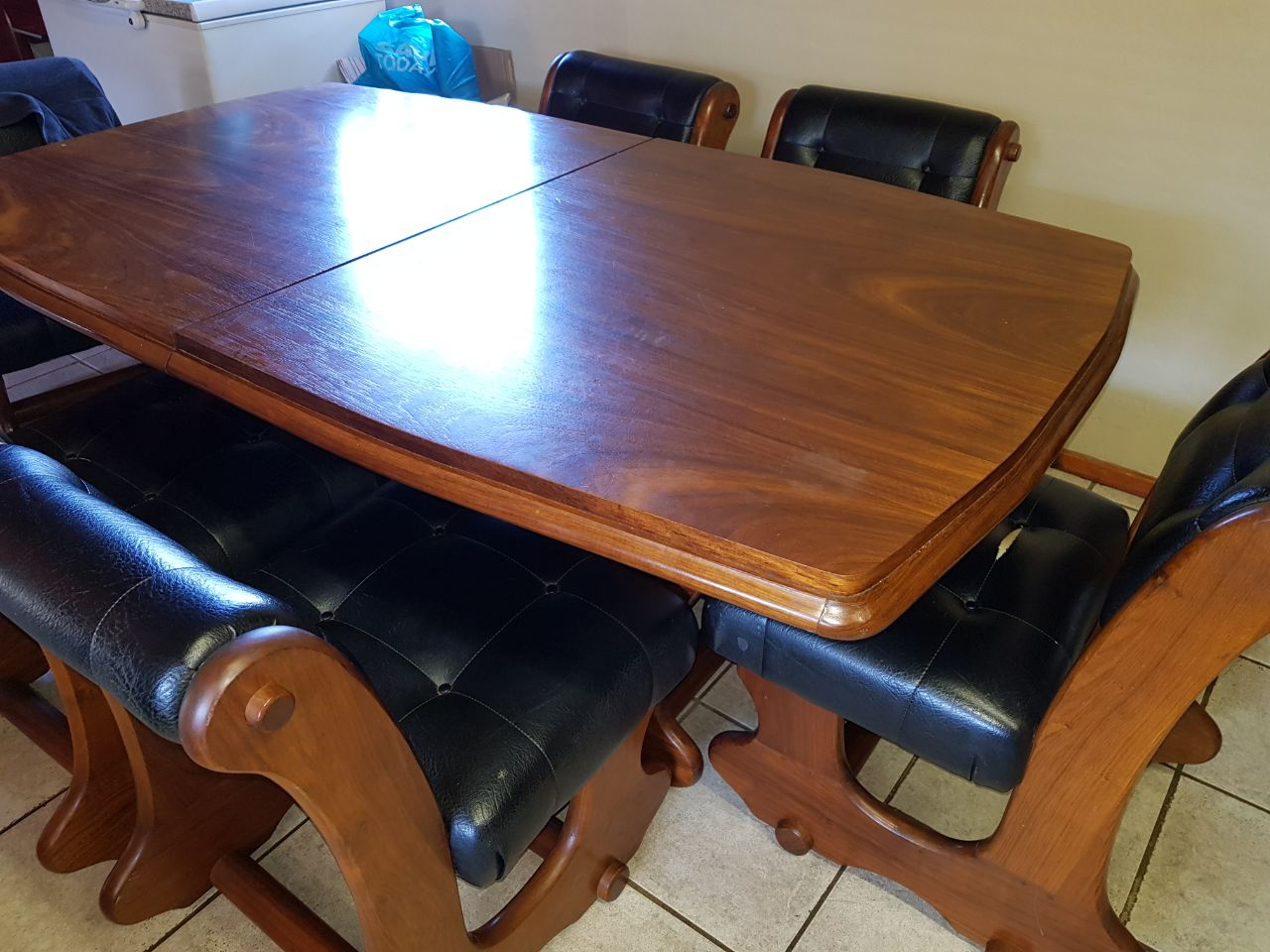 Dining room table and chairs - 8-seater foldable