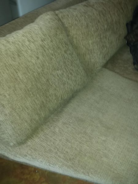 Selling 4 seater corner lounge suite