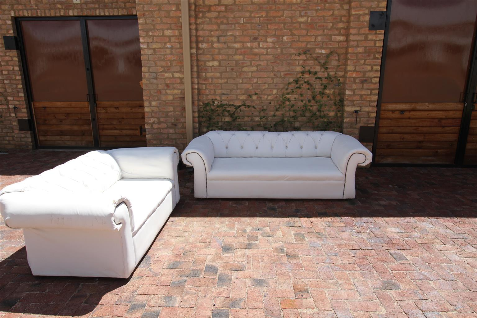 Classic white EVENT couches for sale