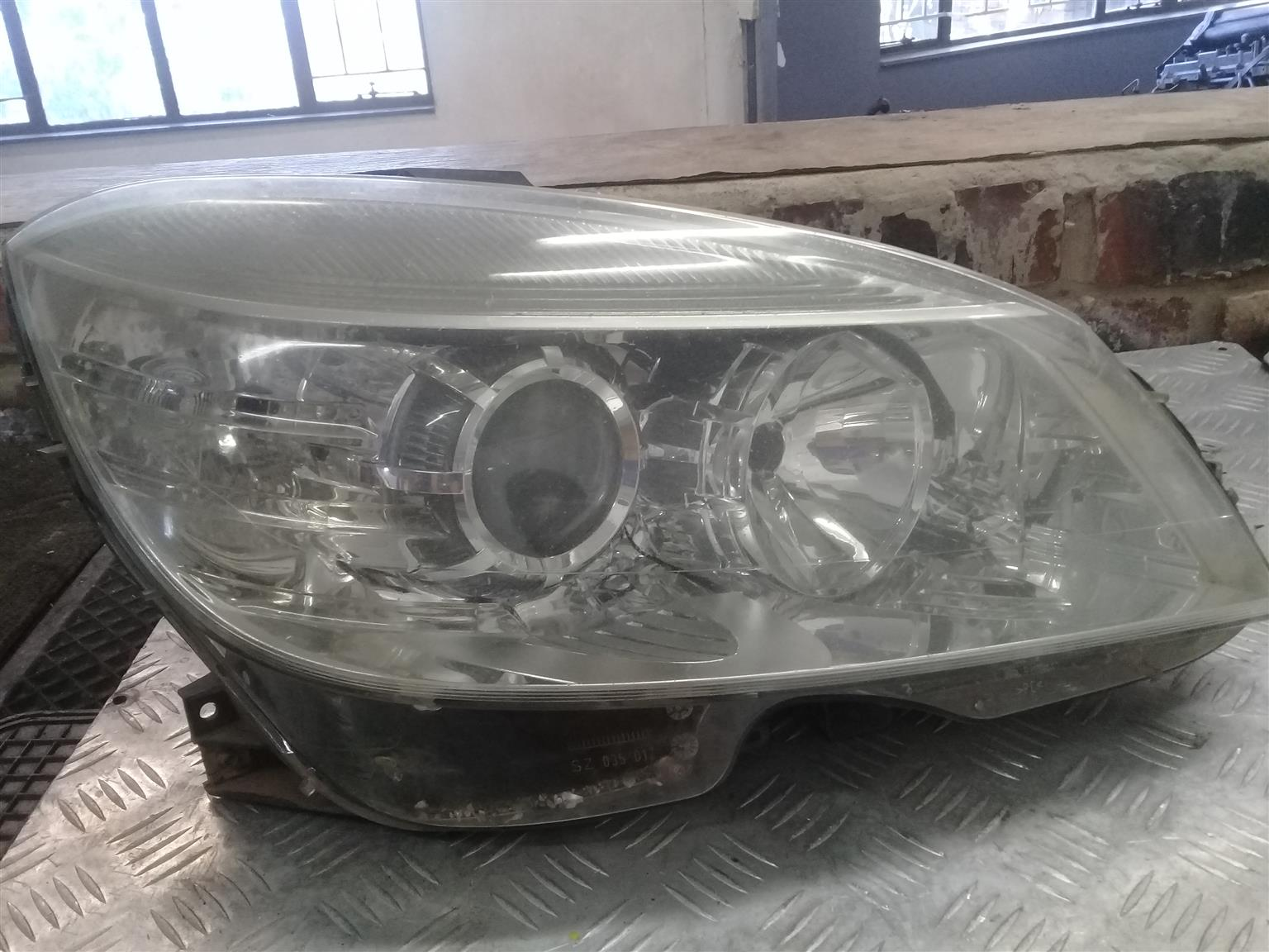 NEW AND USED PARTS FOR ALL MERCEDES BENZ
