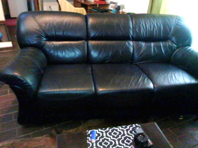Grafton Everest 3-seater:  genuine, full leather couch - black