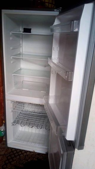 Fridge big one an clean good condition
