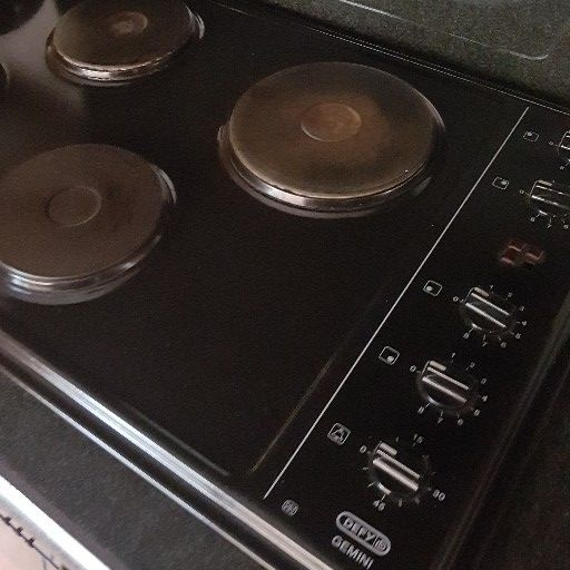 Defy 820mm hob for sale