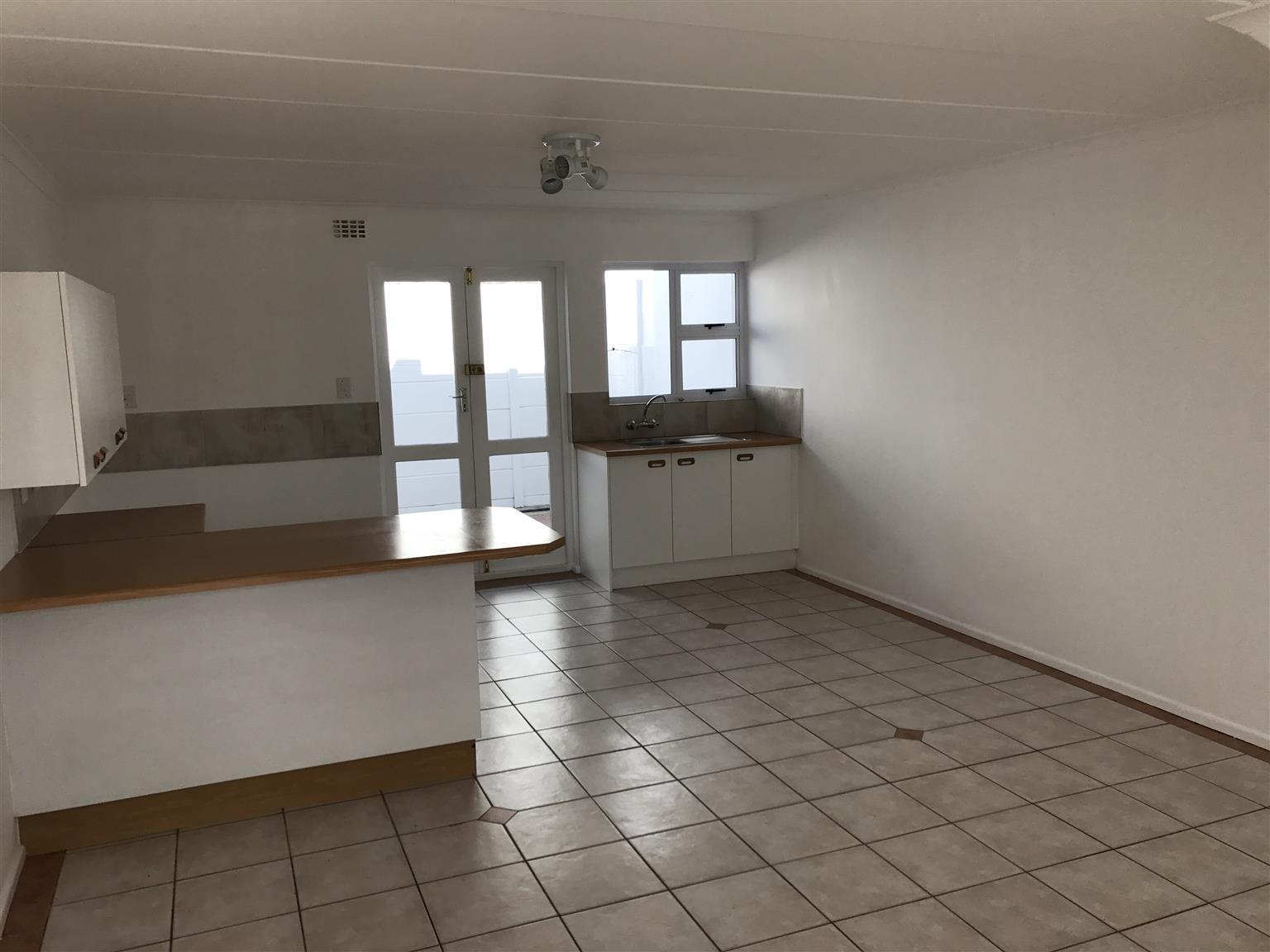 Duplex for sale in Parow West