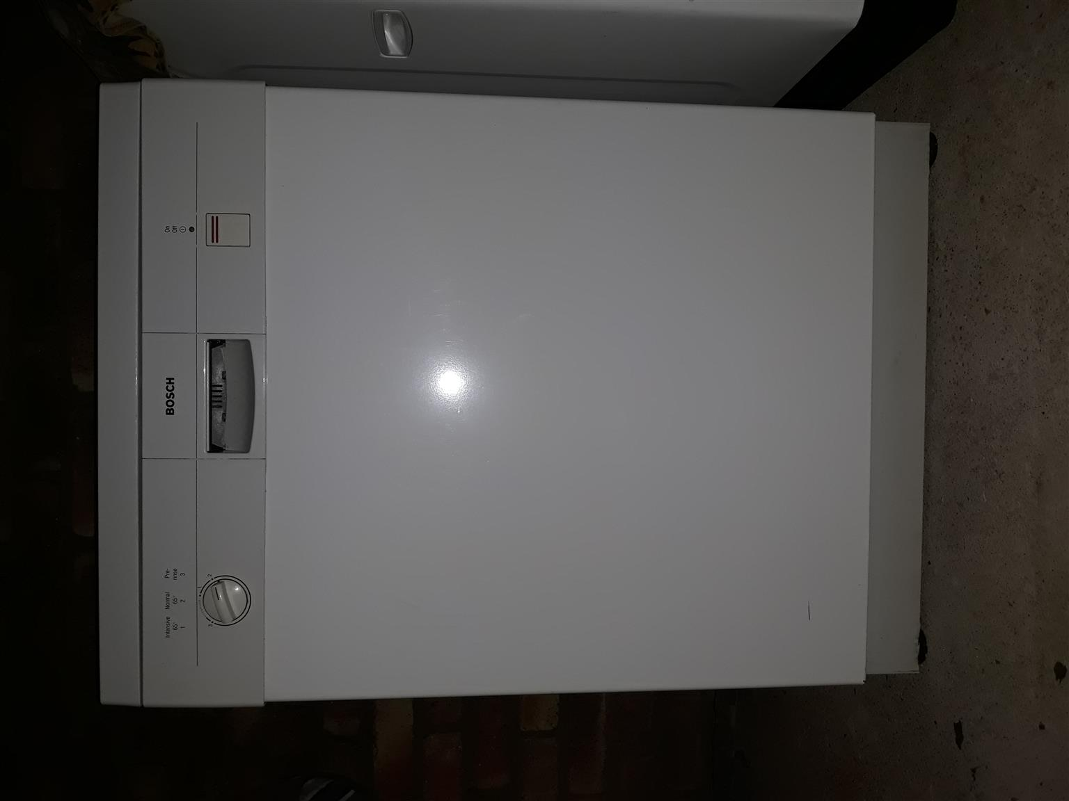 Bosch Dishwasher for spares or repair