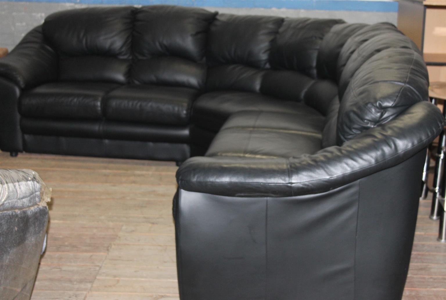 Leather lounge suite S028897a #Rosettenvillepawnshop