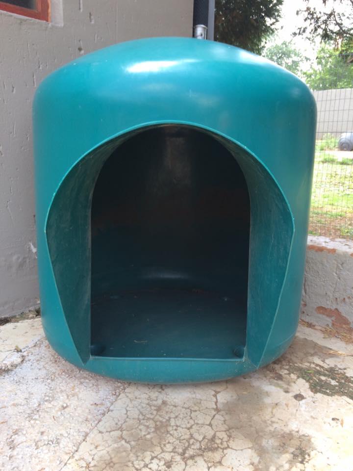 X-large dog kennel