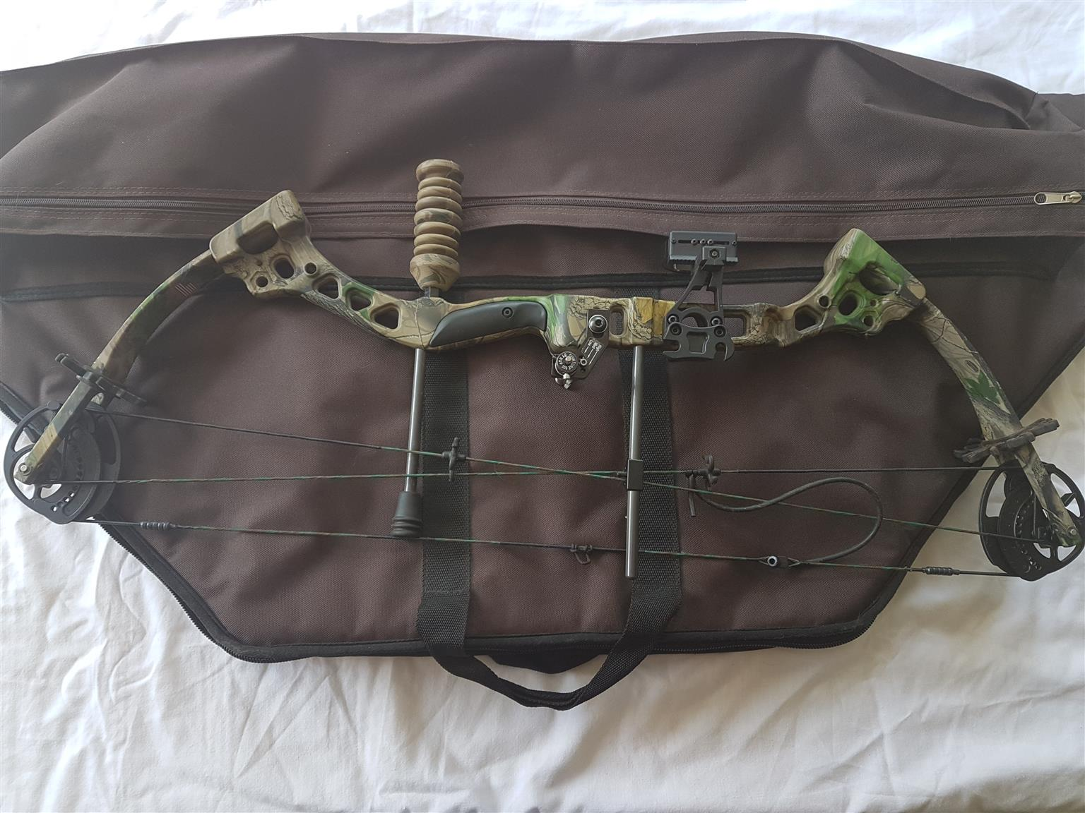 Left Handed Bow-tech Soldier Compound bow 25-65 lbs
