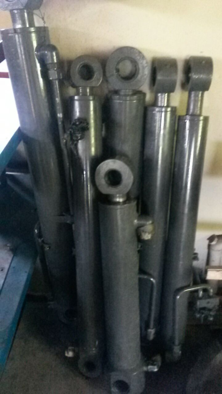Volvo BL61 Hydraulic Cylinders for Sale