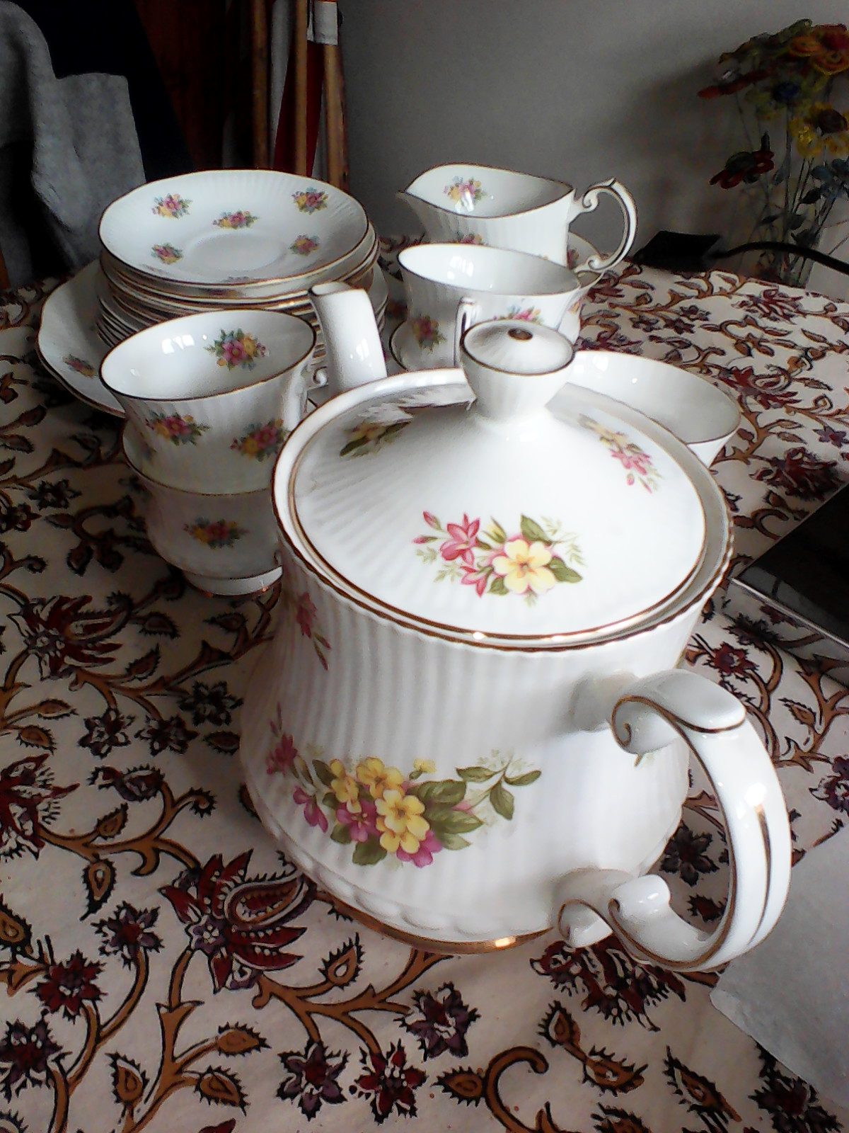 Elizabethan tea set