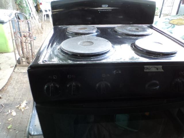 Defy kitchenmaster stove