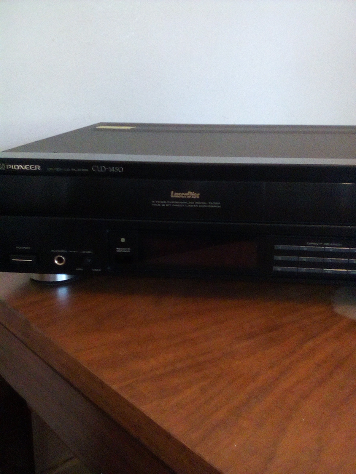 Pioneer CLD 1450 Laserdisc player