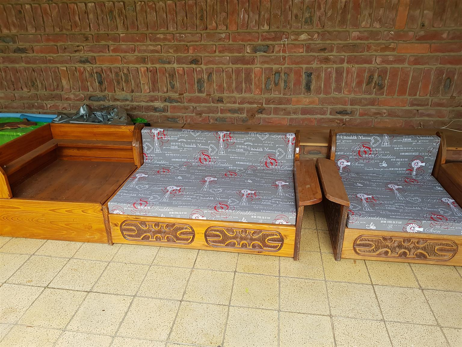 6 seater L shaped living room set with corner coffee table and 6 piece wall unit. Solid wood