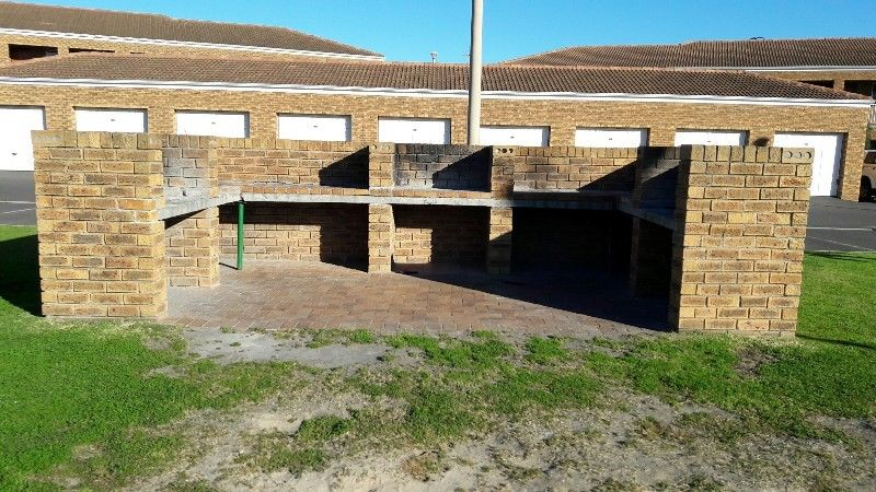 MODERN 2 BEDROOM APARTMENT, CHENELL 1, PROTEA HEIGHTS, BRACKENFELL