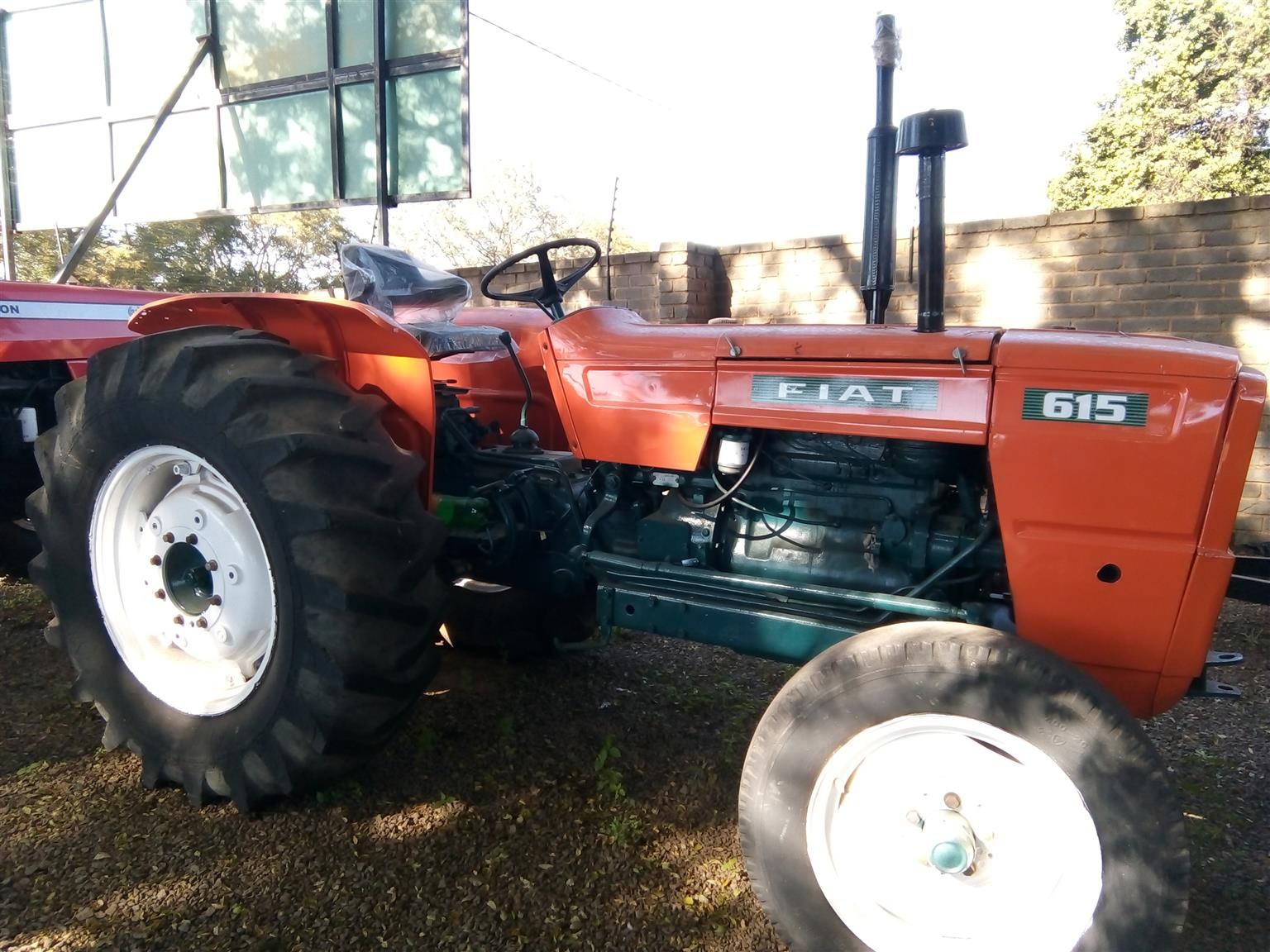 S2937 Orange Fiat 615 49kW/66Hp Pre-Owned Tractor