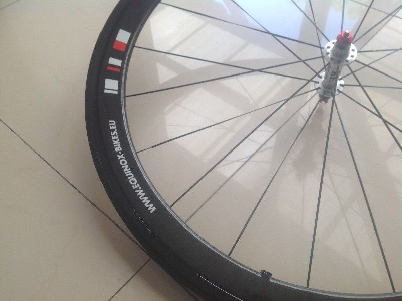 Spinnergy Carbon Clinchers 50mm Very Neat - 11speed compatible