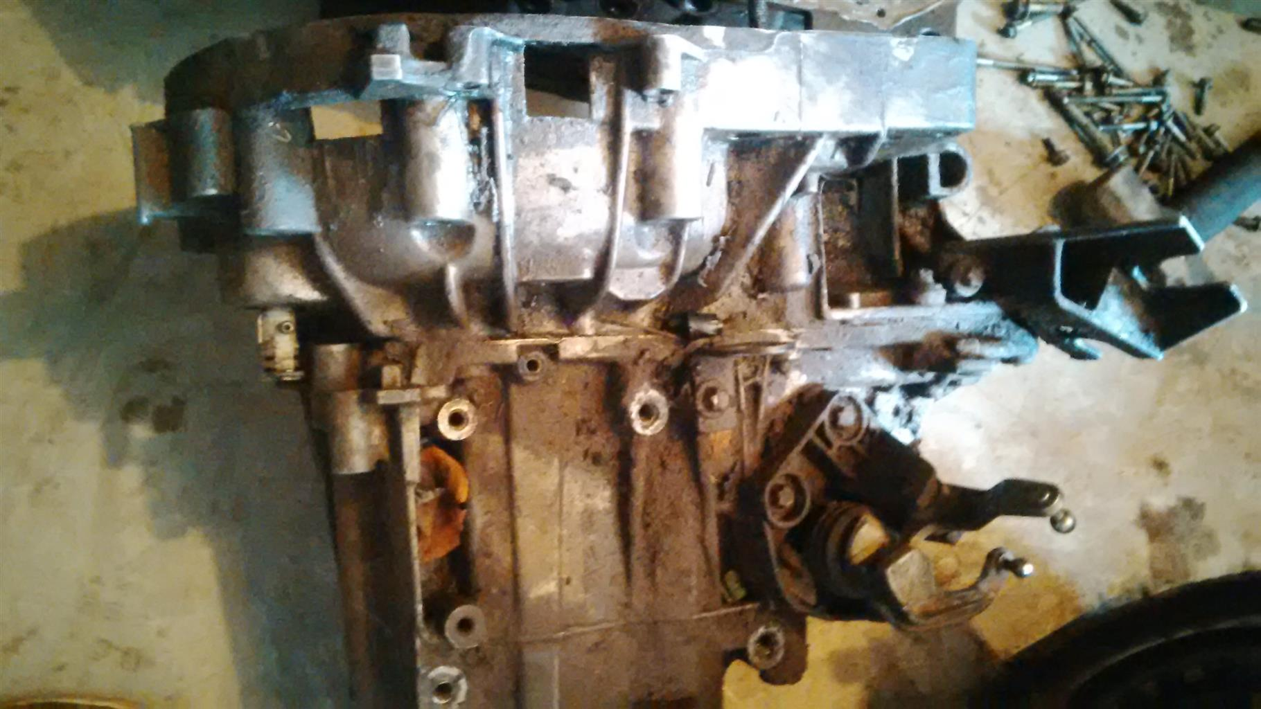 Renault scenic 2 gearbox 2006 model, in excellent condition
