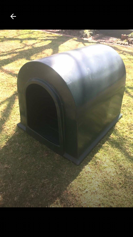Plastic Doghouse kennel Large