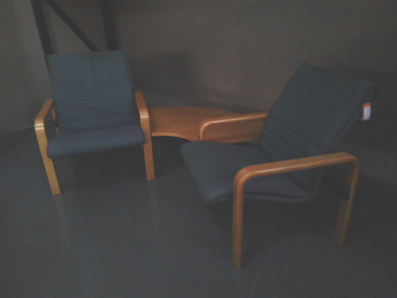 Chair with table in the middle green