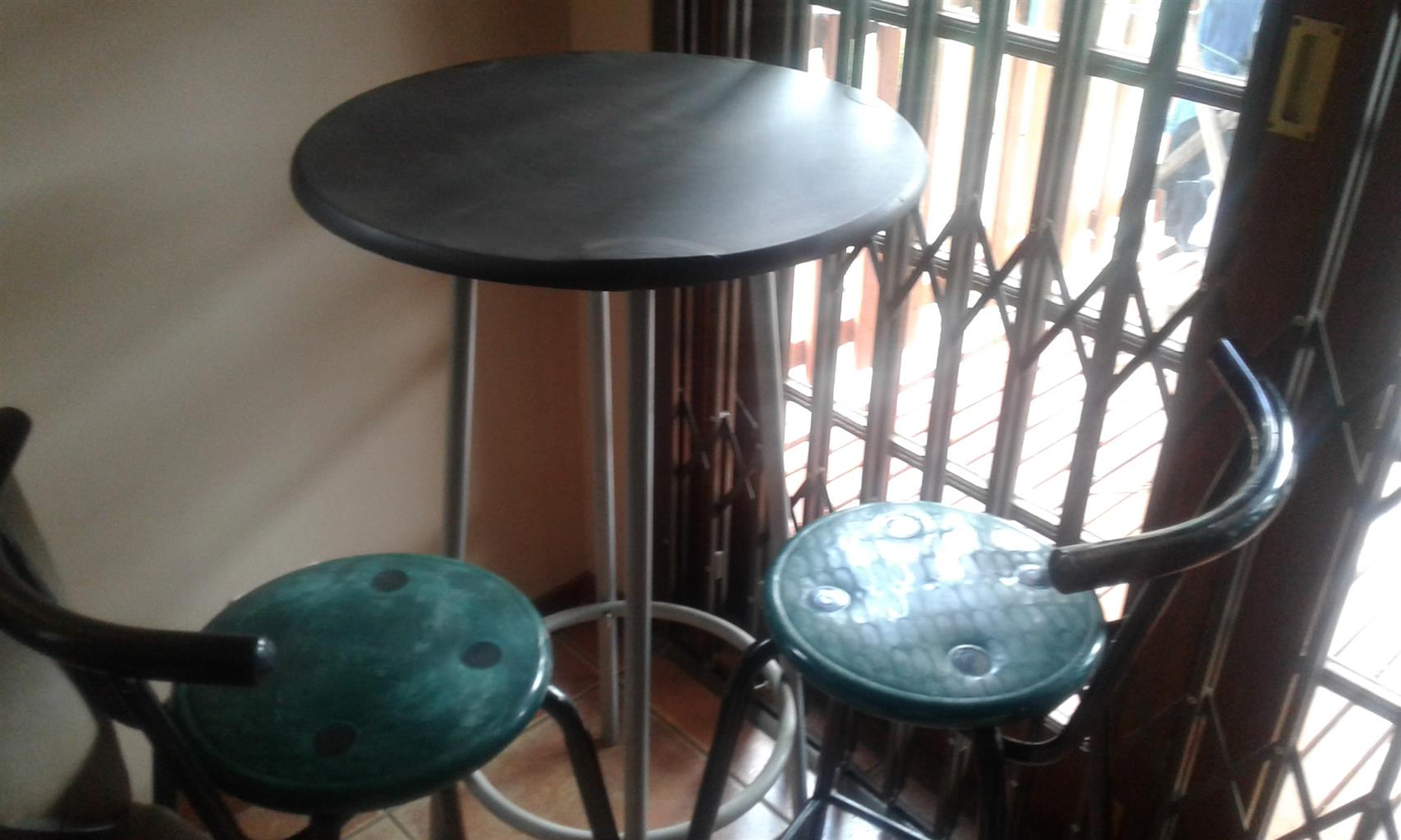 Round Table with 2 bar chairs