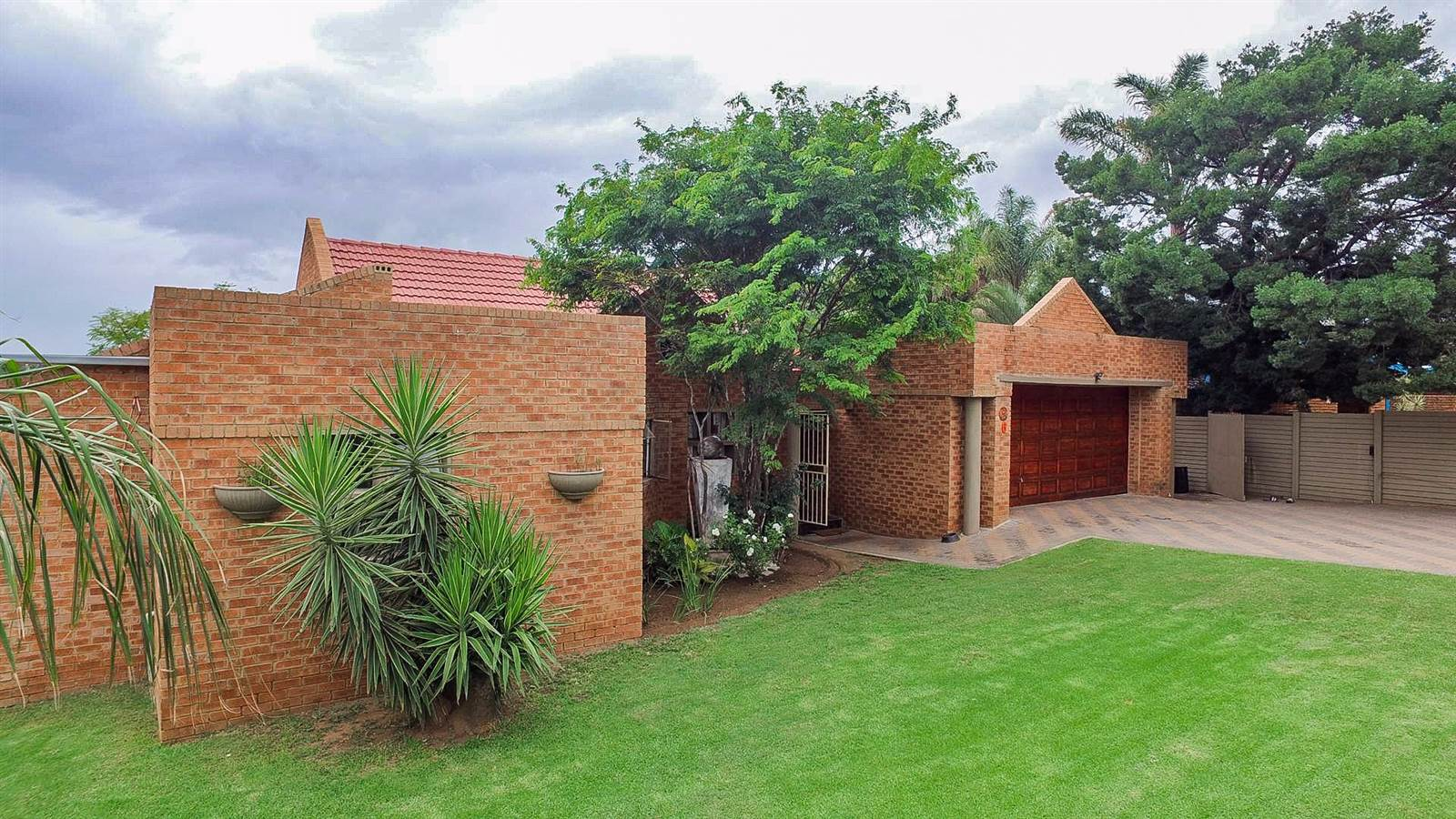 Secured house to share in Centurion