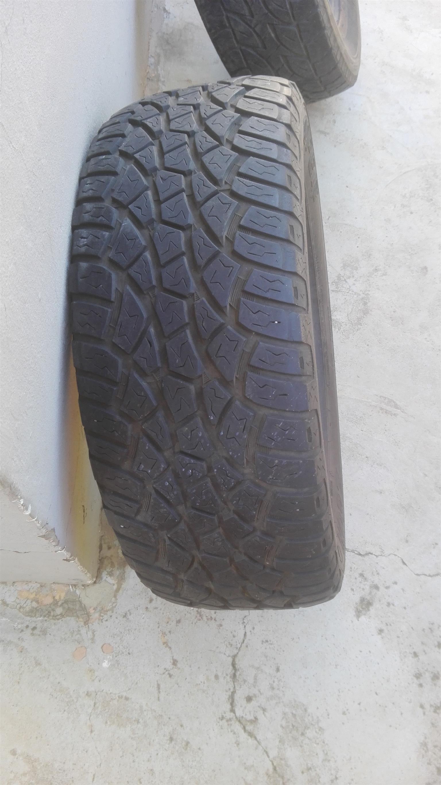 Cooper Zeon LTZ 255/55/19 Tyre