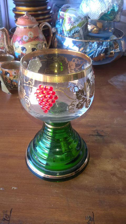 musical wineglass