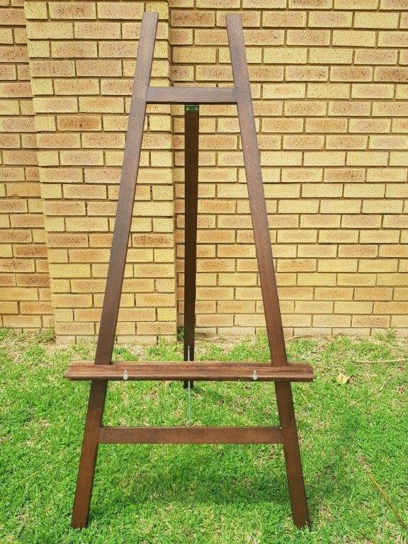 Easels for Painting & Display