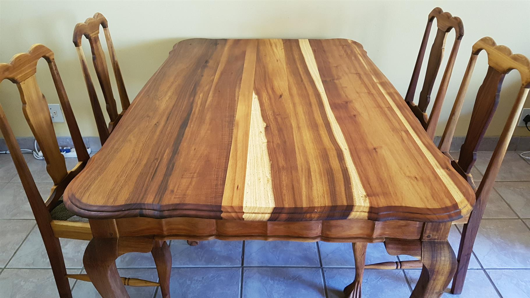 KIAAT Dining table & chairs.