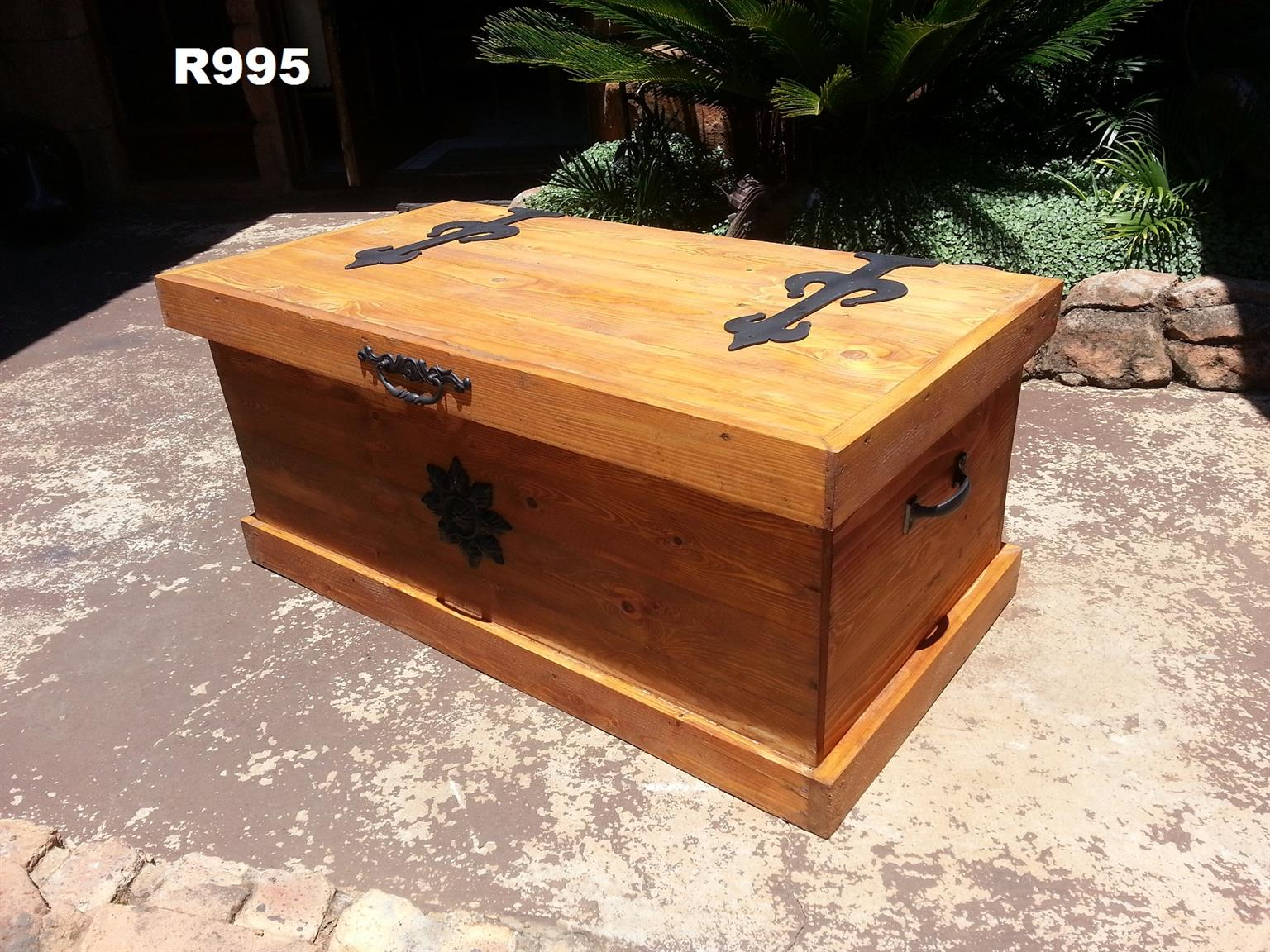 Pine Treasure Chest (1015x550x460)