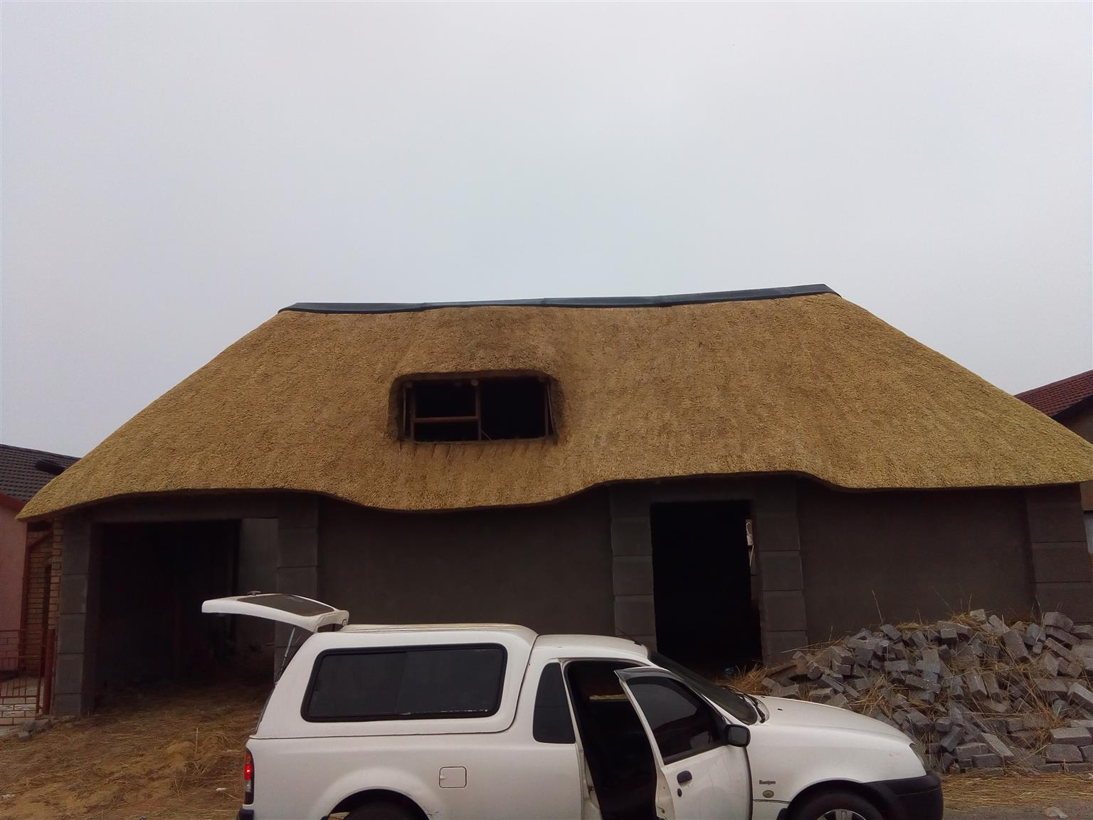 Affordable Lapa, Roofs thatching, in Gauteng!! With prices