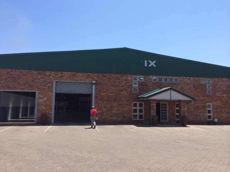WAREHOUSE / FACTORY / OFFICE FOR SALE IN HENNOPS PARK , Centurion