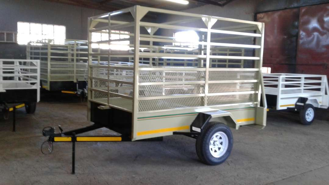 SINGLE AXLE CATTLE TRAILER FOR SALE, BRAND NEW, PAPERS INCL