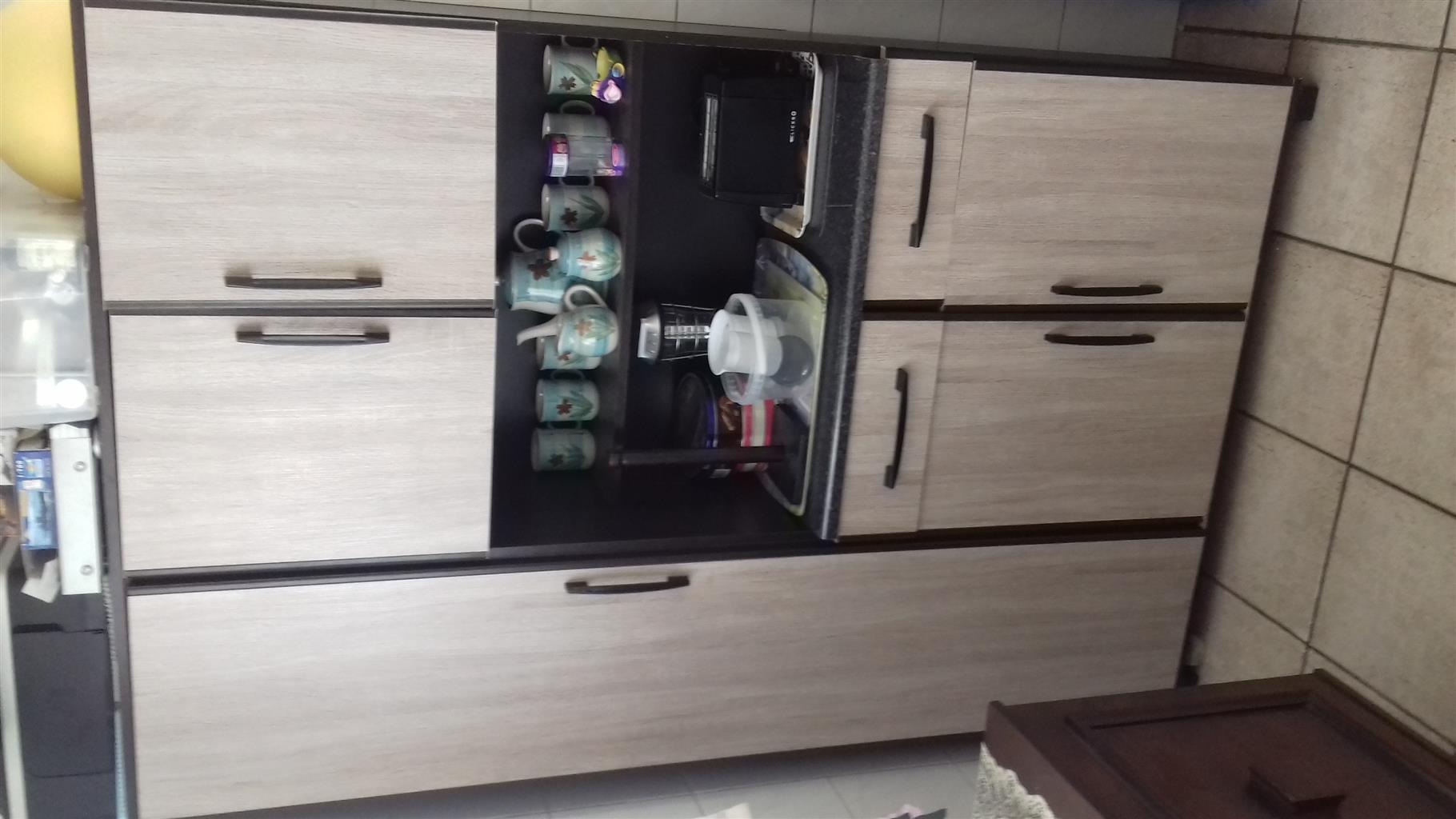 kitchen cuboard free standing