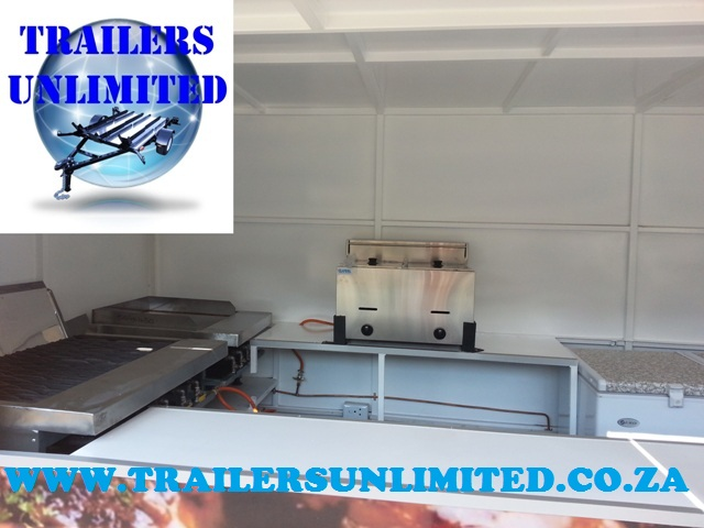 CATERING TRAILER 5000 X 2000 X 2000.