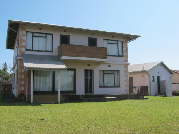 3 Bedroom Double Storey House with Sea Views - Close to the Beach - Port Edward