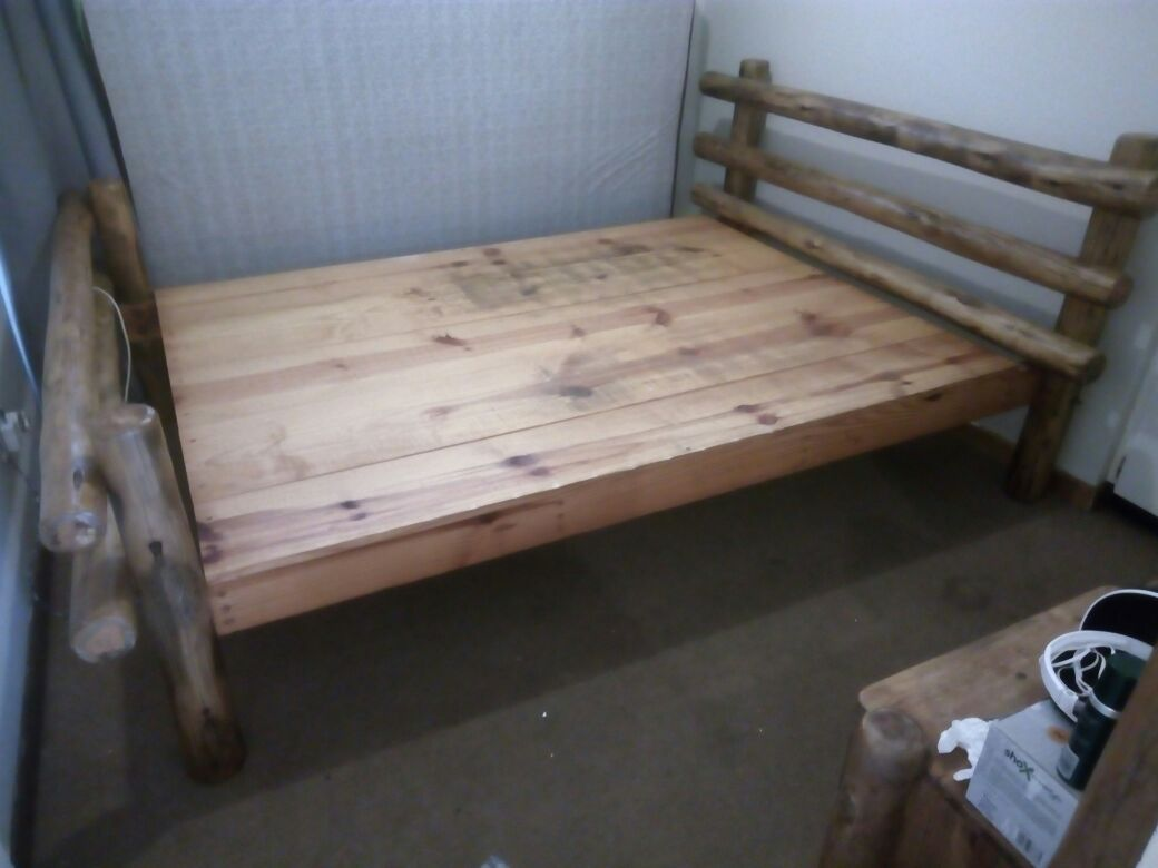 Dubble Sleeper Wood Bed plus Side mirror with draw