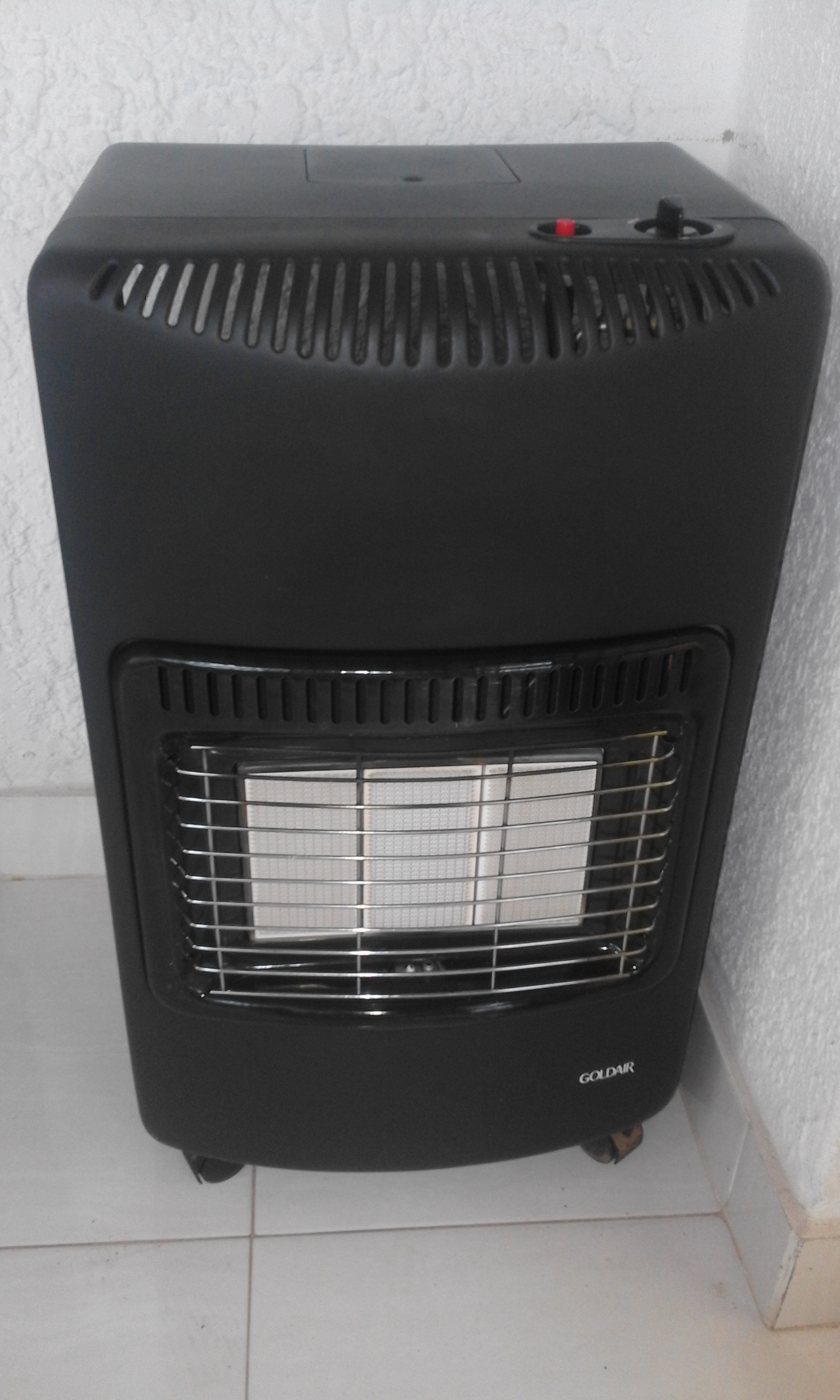Gas Heater Goldair. In Good Condition. Gas bottles is extra for R600.