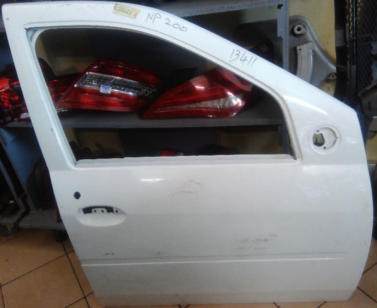 MERCEDES BENZ W246 B -CLASS DOOR SHELL FOR SELL