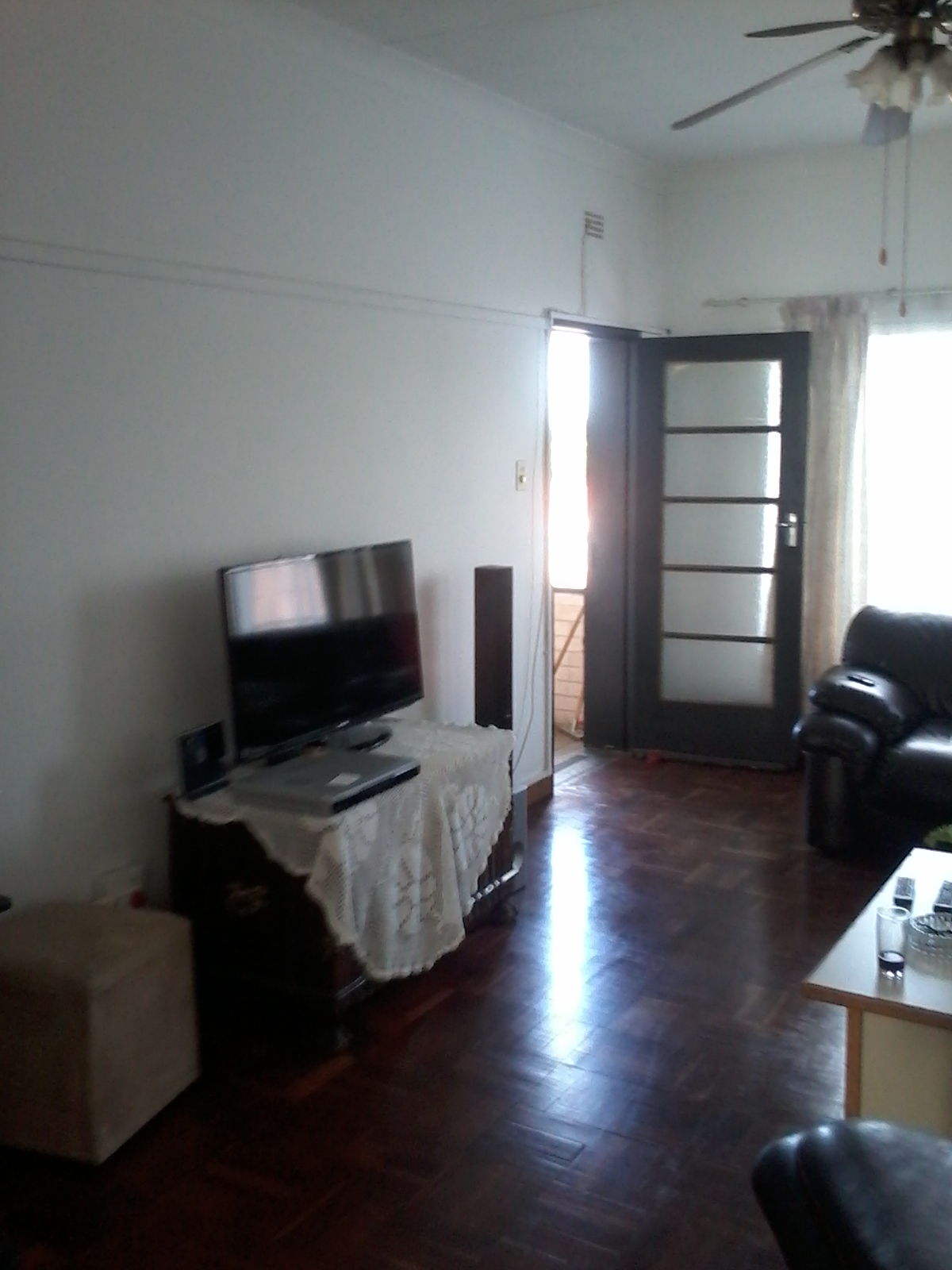 Large 1 bed room for Sale. Situated in Roseacre Jhb South R420000 onco