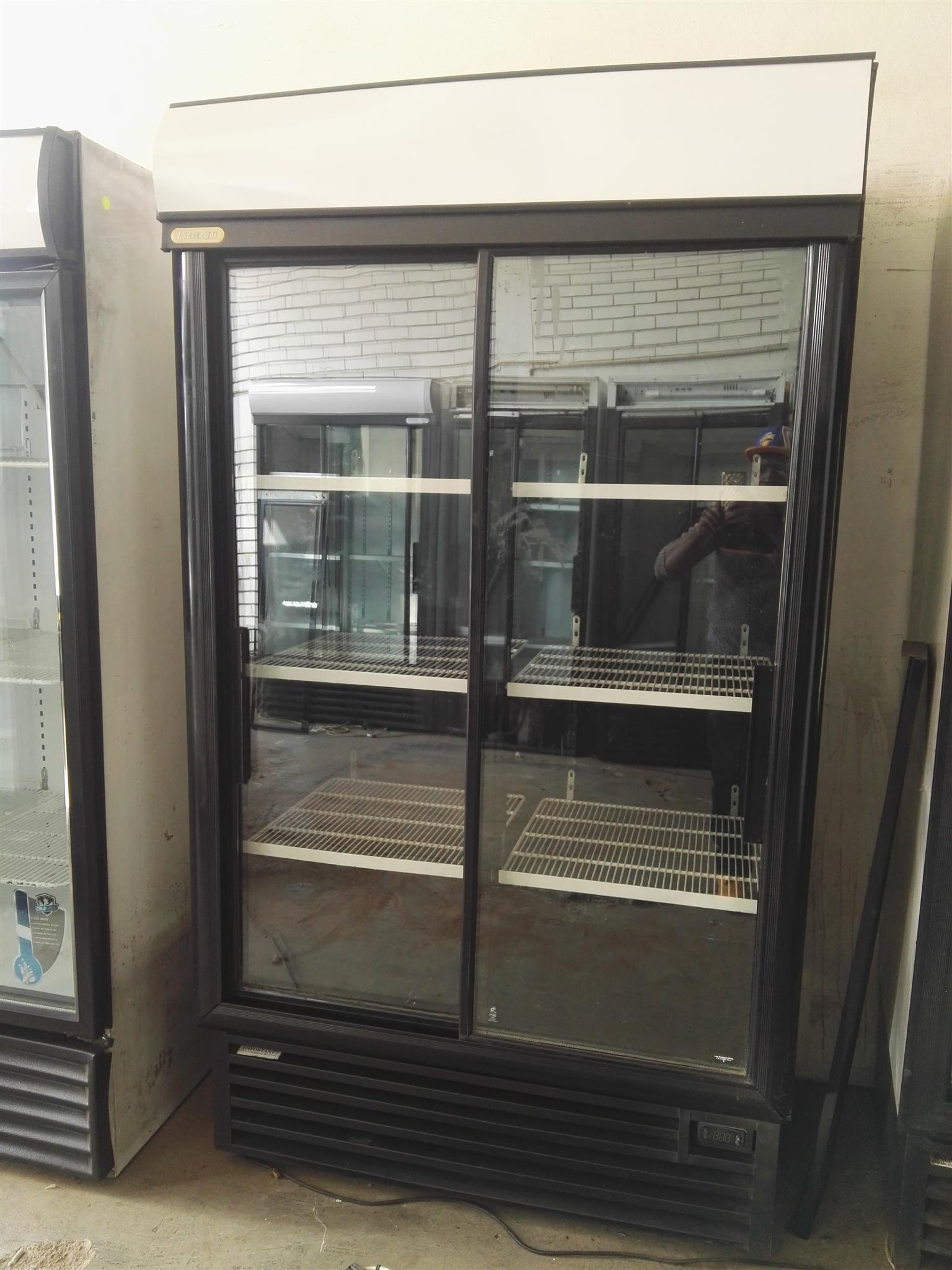 SD-1140 Display Upright Fridge + Two(2) months warranty