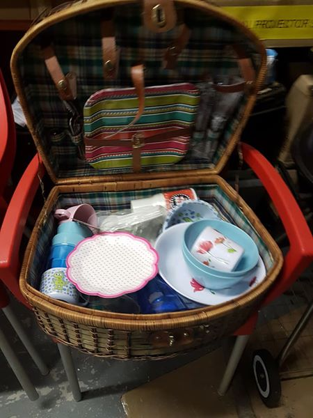 Picnic basket for sale