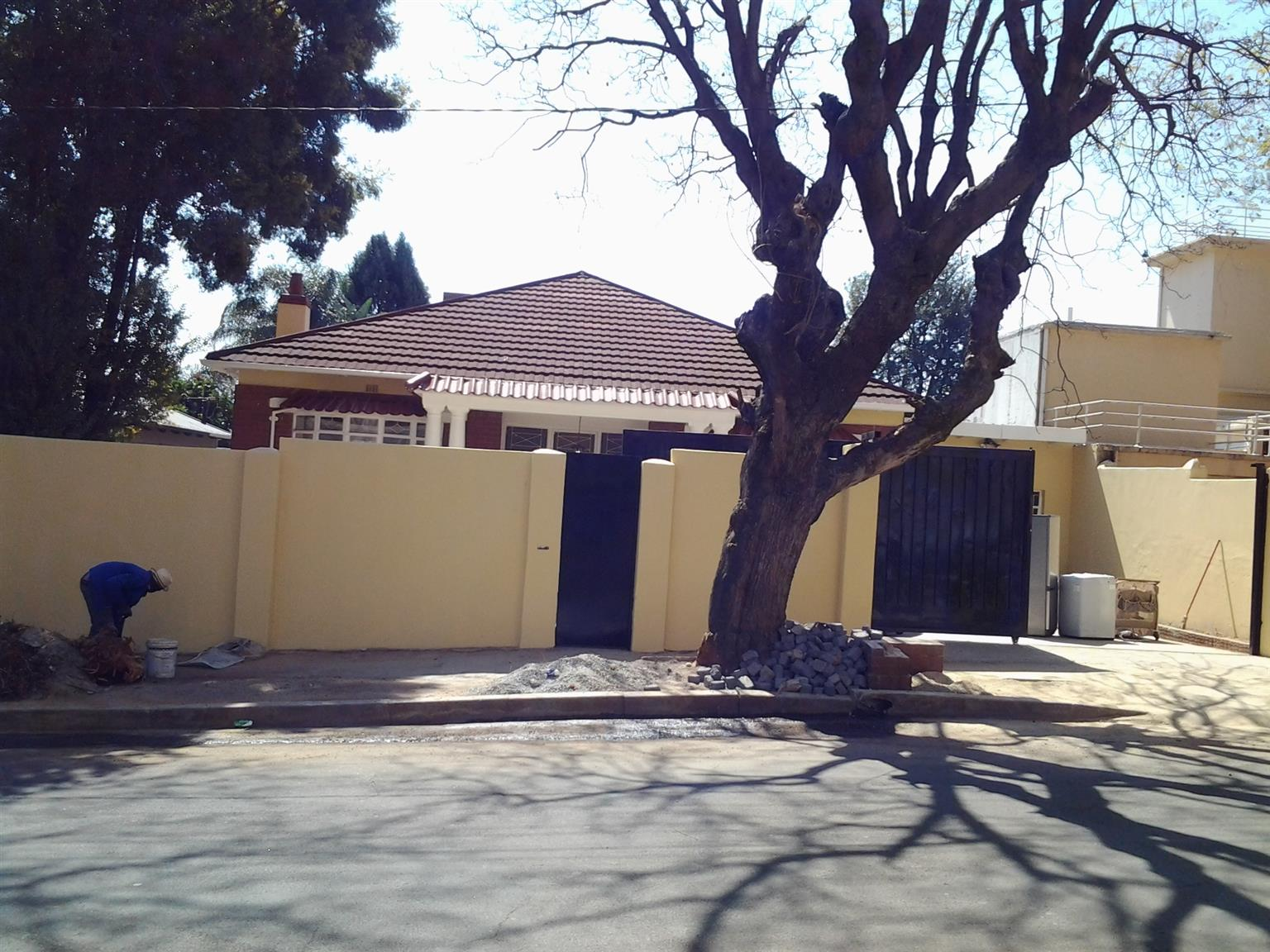Bedroom with shower + toilet to let in Orange Grove
