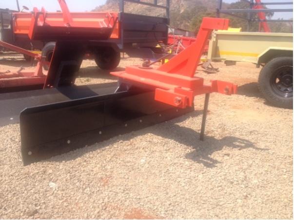 S2667 Red Verrigter 2.1m Grader / Skraper New Implement