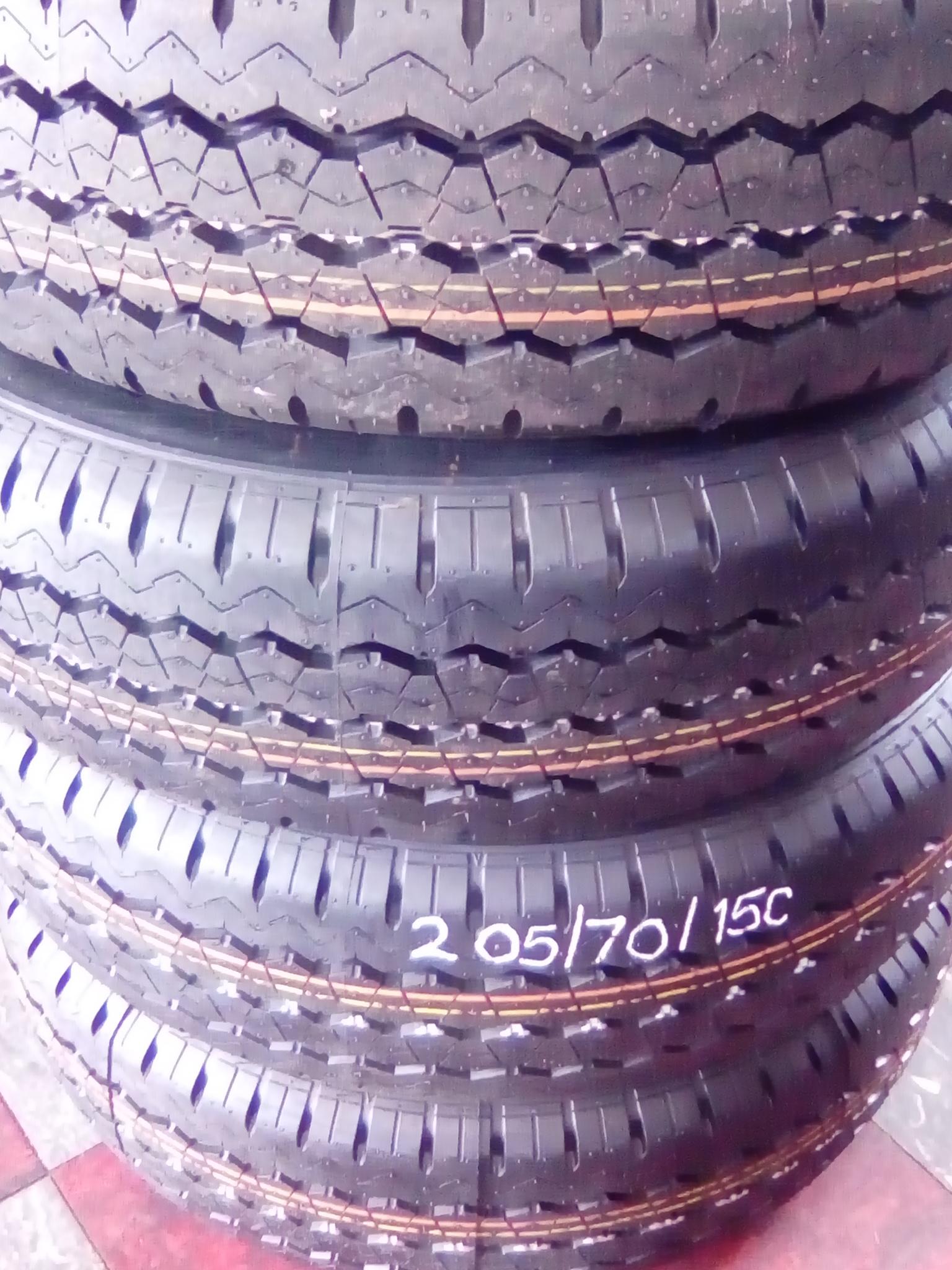 Bridgestone tyre size 205/70/R15 x 4