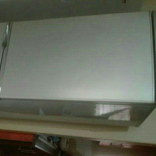 kelvinator fridge for sell R2500 with transportation call now 0734477336