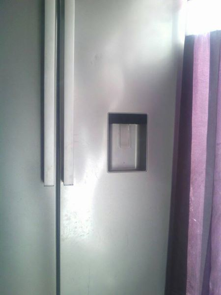 Defy 620 liter side by side fridge freezer